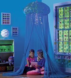 Aquaglow Light-Up  Jellyfish Hideaway