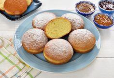 Gogosi ca la gogoserie mari, pufoase (CC Eng Sub) Easy Cookie Recipes, Donut Recipes, Healthy Dessert Recipes, Sweets Recipes, Brownie Recipes, Cupcake Recipes, Easy Desserts, Beignets, Romanian Desserts
