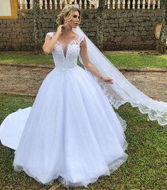 Stunning Wedding Dresses, Princess Wedding Dresses, Wedding Bridesmaid Dresses, Dream Wedding Dresses, Wedding Gowns, Ball Gown Dresses, Prom Dresses, Pretty Dresses, Beautiful Dresses