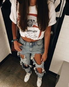 teenager outfits for school . teenager outfits for school cute Teen Fashion Outfits, Mode Outfits, Retro Outfits, New Outfits, Teen Fashion Style, Edgy School Outfits, Capsule Outfits, 2000s Fashion, Tween Fashion