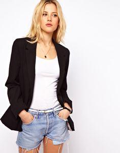 Basics: denim shorts (NOT TOO SHORT!)
