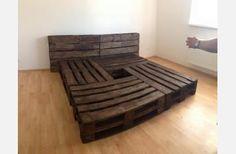 VŠECHNO   Obyčej.cz Pallet Beds, Bed Pallets, Wooden Furniture, Furniture Design, Wooden Diy, Living Room, Interior Design, Storage, House