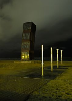 L'estel ferit de Rebecca Horn, La Barceloneta, Barcelona, Catalonia