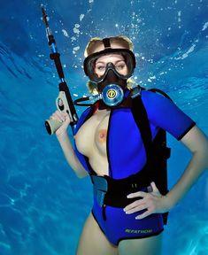 busty-sexy-scuba-man-girl-models-pics