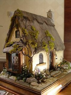The Whittaker's Miniatures: Made a Decision at last! Clay Fairy House, Fairy Garden Houses, Porte Diy, Diy Fairy Door, Natal Diy, Gothic Garden, Gothic Fairy, Miniature Houses, Miniature Gardens
