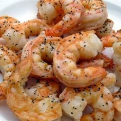 Ina's Oven Roasted Shrimp Oh me, oh my. These oven roasted shrimp are soooooooo good, and so easy to make. Shrimp In The Oven, How To Cook Shrimp, Oven Shrimp, Oven Cooked Shrimp, Shrimp Meals, Fried Shrimp, Garlic Shrimp, Shrimp Dishes, Gastronomia