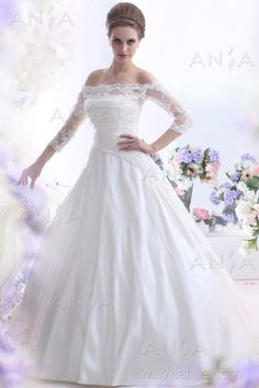 Fabric: Satin  Neckline: Scoop  Color: Ivory    Details at:  http://www.aniia.com/ball-gown-ivory-court-train-scoop-satin-wedding-dress-b11936.html