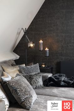 Vrijstaand huis met een sterke basis - Hoog ■ Exclusieve woon- en tuin inspiratie. Living Room Lounge, Living Room Interior, Living Room Decor, Living Rooms, Decor Interior Design, Interior Styling, Room Inspiration, Interior Inspiration, Flur Design