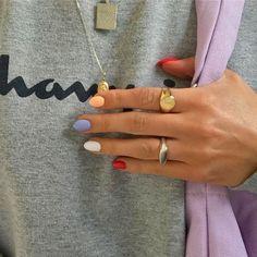 Skittles Nail Art Trend How to apply nail polish? Nail polish in your friend's nails looks perfect, nevertheless, you can't apply nail polish as you wish? Winter Nail Art, Winter Nails, Summer Nails, Spring Nails, Winter Art, Cute Acrylic Nails, Cute Nails, Pretty Nails, Pastel Nail Art