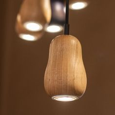 Lampe - Babula S1 - Glühbirnenform - Holz - Krools