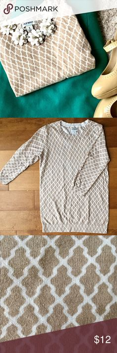 Beige Patterned Top Chic beige top with 3/4 length sleeves. 100% cotton. Good condition. Old Navy Tops Tees - Long Sleeve