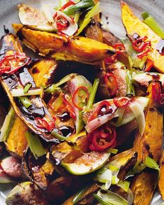 Yotam Ottolenghi's Roasted Sweet Potatoes and Fresh Figs recipe rocks Yotam Ottolenghi, Ottolenghi Recipes, Otto Lenghi, Vegetarian Main Course, Balsamic Reduction, Fresh Figs, Roasted Sweet Potatoes, Kraut, Side Dishes