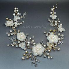 Vid de oro pelo de novia tocados con flores y hojas