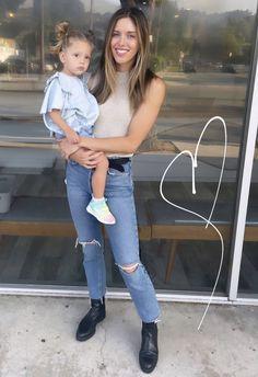 Kayla Ewell, Mom Jeans, Pants, Fashion, Trouser Pants, Moda, Fashion Styles, Women's Pants, Women Pants