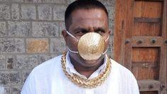 Ένας Ινδός δήλωσε ότι πλήρωσε περίπου 3.500 ευρώ για μια χρυσήμάσκαπροστασίας από τον κορονοϊό, η