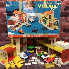 Vintage Fisher Price Little People Play Family Village #997 1973 COMPLETE w/ BOX    eBay Fisher Price Toys, Vintage Fisher Price, Retro Toys, Vintage Toys, Little People, Old School, Boy Or Girl, The Past, Childhood