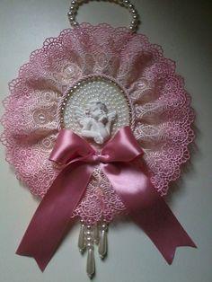 Christmas Angels, Christmas Ornaments, Shabby Chic Wreath, Crochet Barbie Clothes, Beaded Ornaments, Felt Art, Fabric Art, Holidays And Events, Embellishments