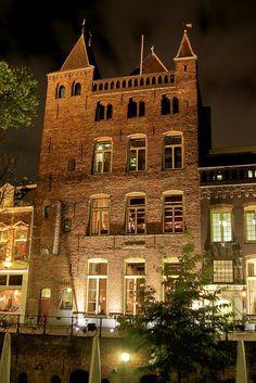 Utrecht, Stadscafé Oudaen, Lunch, Diner, Coffee, Brewery in Utrecht. Lekker bier daar!