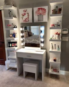 Makeup vanity - superhairmodels com/dekor Makeup vanity Cute Room Ideas, Cute Room Decor, Teen Room Decor, Room Ideas Bedroom, Girl Bedroom Designs, Bedroom Decor, Teen Bedroom, Makeup Room Decor, Makeup Rooms
