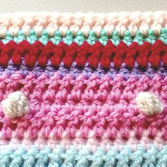 as-we-go stripey blanket – not your average crochet Striped Crochet Blanket, Crochet Blanket Edging, Plaid Crochet, Crochet For Beginners Blanket, Scrap Yarn Crochet, Crochet Hot Pads, Crochet Cushion Pattern, Crochet Stitches Patterns, Bobble Stitch
