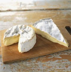 Brie vs. Camembert Cheese Differences and Similarities