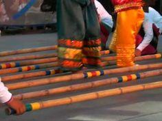 ▶ Filipino Tinikling Dancers (or Singkil?) - YouTube