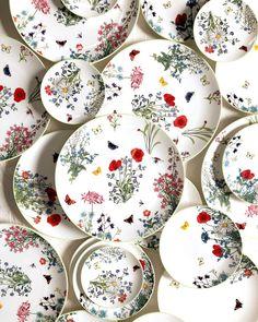 Rustic Room, Romantic Homes, Home Decor Inspiration, Dinner Plates, Event Design, Decorating Tips, Dinnerware, Decorative Plates, Pottery