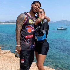 Anuel AA and Karol G prove that they will do anything for the perfect pair of sneakers in Footlocker's latest No Matter What campaign commercial. Cute Couples Goals, Couple Goals, Latino Artists, Cute Tumblr Wallpaper, James Rodriguez, Trap Music, Latin Music, Daddy Yankee, Her Music