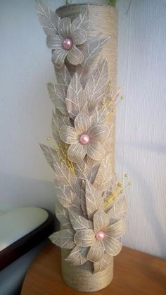 Diy Crafts - DIY & crafts projects, contents and more - Diy Crafts Ornamente Spectaculoase Realizate Dintr 655062708285952063 P Twine Flowers, Diy Flowers, Fabric Flowers, Paper Flowers, Hessian Crafts, Twine Crafts, Diy And Crafts, Wine Bottle Crafts, Bottle Art