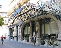 Café A Brasileira, Porto Places In Portugal, Portugal Travel, Porto City, How To Order Coffee, Douro, Most Beautiful Cities, Best Cities, Portuguese, Street View