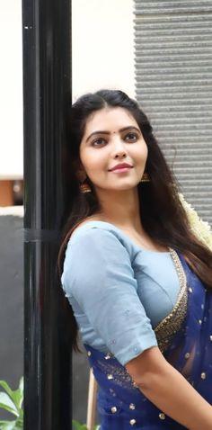 Cute Girl Image, Girls Image, Beautiful Girl Indian, Beautiful Saree, Indian Actress Hot Pics, Indian Actresses, Nice Pick, Parking Space, Indian Beauty Saree