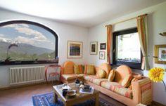 Le camere spaziose e arredate con gusto, i bagni indipendenti ad uso esclusivo degli ospiti, una squisita cura dei dettagli, l'aperitivo di ...