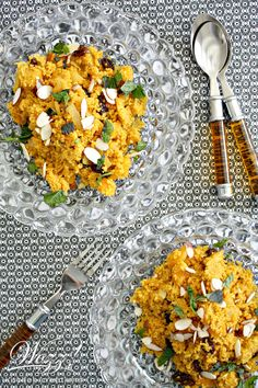Moroccan spiced couscous recipe with orange infusion, raisins, apricots, almonds and fresh mint. Spiced with sweet and savory Ras El Hanout, this couscous is delicious. Moroccan Couscous, Moroccan Spices, Ras El Hanout Recipe, Side Recipes, Healthy Recipes, Creamed Chipped Beef, Israeli Couscous Salad, Couscous Recipes, Homemade Teriyaki Sauce