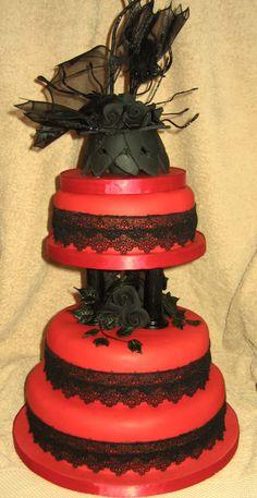 Pastel de bodas gótico.