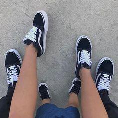 Kill me         ✅ Vans old skool✅    Relationshil-Goals