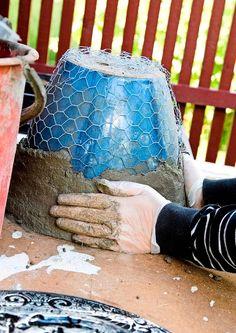 Cement Art, Concrete Cement, Concrete Crafts, Concrete Projects, Diy Concrete Planters, Diy Planters, Cement Flower Pots, Diy Crafts To Do, Garden Deco