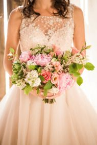 Not a fan of the barn stuff, but love the dress + bouquet + colors + deco