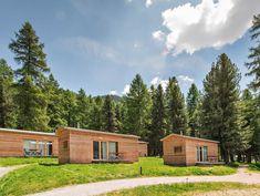 Wilde Campingplätze in der Schweiz: Vom Engadin bis ins Wallis California Camping, Wilde, Wallis, Switzerland, Road Trip, Cabin, House Styles, Travel, Caravan