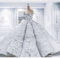 GO BIG OR GO HOME MOMENTS OF 2015: BEST COUTURE GOWNS