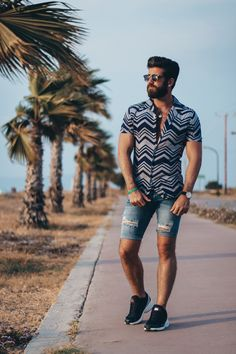 Greece|My Top 3 Summer Looks|Kos – TOM SHEARD #mensfashion #menswear #menshairstyles #mensshirts #blondehairstyles #tattoos #tattooideas #fashion #modelstatus #mensfashionsummer #mensaccessories #beards #beardsofinstagram #beardsandtattoos #travel #greece #ocean #blog #mensblogger #travelblogger #mensstyle Smart Casual Menswear Summer, Men Casual, Skinny Suits, Skinny Jeans, Clothing Staples, Cropped Trousers, How To Take Photos, Summer Looks, Kos