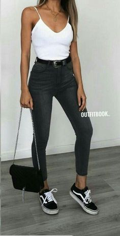 Chic And Casual Back To School Outfit Ideas For This Summer; Back To School Outfit; Teen Back To School Outfit; Summer Back To School Outfits; Basic Outfits, Cute Casual Outfits, Mode Outfits, Simple Outfits, Girl Outfits, Fashion Outfits, Jeans Fashion, Ladies Outfits, Ladies Fashion