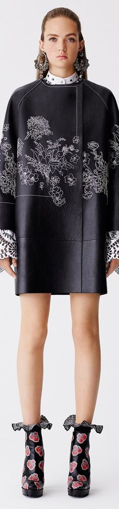 Cerramos el mes con Luxury Connoisseur || kallistos Stelios Karalis ||   •.♡ Follow me & Alexander McQueen - RESORT 2017