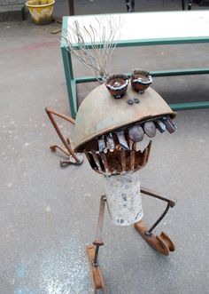 Recycled garden monster from edelia.com   (FUNNY!)