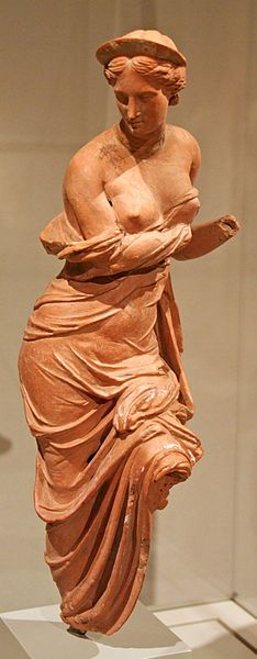 Aphrodite Heyl, terracotta statuette of very high quality, probably from Myrina, 2nd century BC