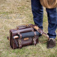 Мужская кожаная сумка - Business style.  Работа на заказ.  Итальянская кожа премиум класса, фурнитура латунь - состаренная вручную.  #lartherwork#travel#manbag#manbagleather#leather#handmade#Leatherworkshop#Russia#ручнаяработы#работыизкожи#сумкаизкожи#saintpeterburg#