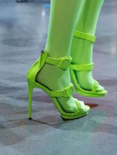 Hot Shoes, Shoes Heels, High Heels, Equestrian Boots, Biker, Pumps, Stilettos, Green Shoes, Pink Shoes