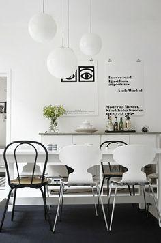 Weisse Runde Pendelleuchten Esszimmer Design