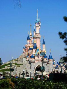 Le Château de la Belle au Bois Dormant or Sleeping Beauty's Castle at Disneyland Paris, Stunning! The most beautiful of the parks I've been to.
