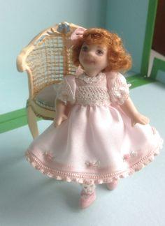 Girl in pink  www.pilarcalle.es