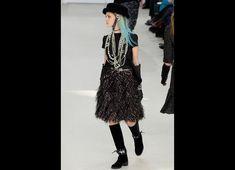 Chanel Fall/Winter 2016-2017 READY-TO-WEAR Fashion Show